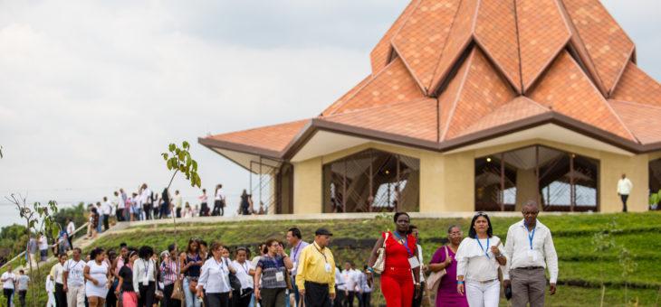 Радостная церемония открытия Дома поклонения бахаи в Колумбии